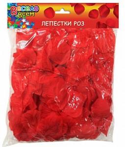 лепестки роз красн